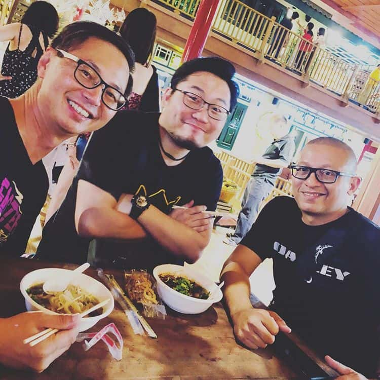 Day 2 morning pow wow session over. We eat. Heartily. Because Bangkok Street Food is da bomb! #brayl...